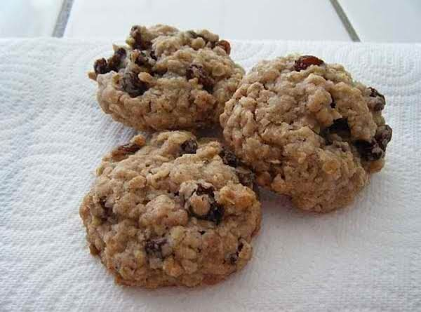 Soft Oatmeal Rasin Cookies Recipe