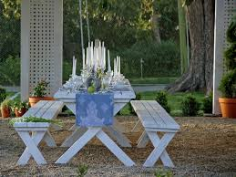 How to Style an Outdoor Dining Table | DIY