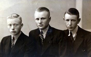 Photo: Willem Dekker, Hendrik Vedder en Hendrik Enting Gzn.