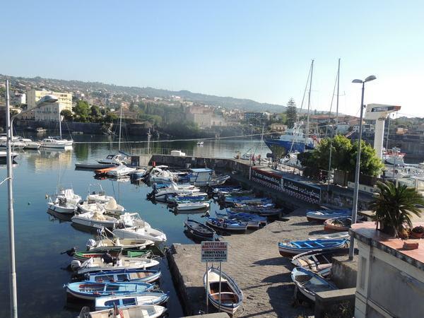 Molo vecchjio Ognina, Catania