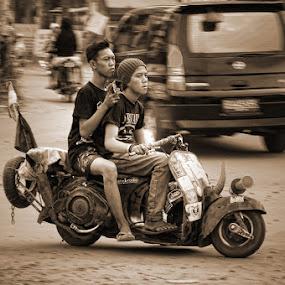 Indonesian street boys by Norbertus Andreanto Photos - News & Events World Events ( motocycle boys street )