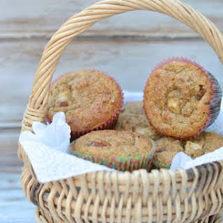 Easy Paleo Pear and Cinnamon Muffins.