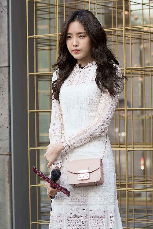 naeun gown 8
