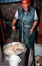 Photo: 03398 ブルド/ハスバター家/ヒツジの水煮作り