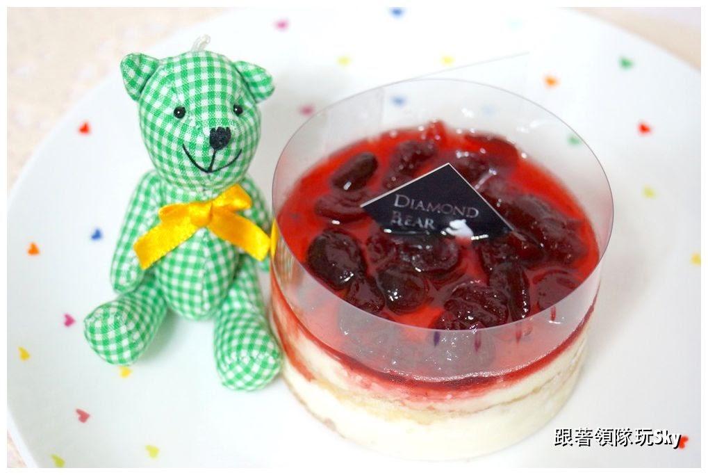 網購美食-酒釀蔓越莓提拉米蘇 .大馬卡龍.蒙布朗8號【鑽石熊烘焙】