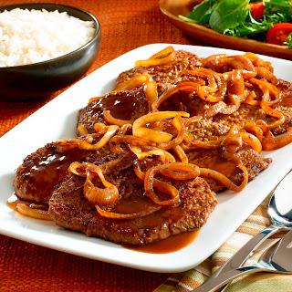 Bistec Encebollado – Steak & Onions.