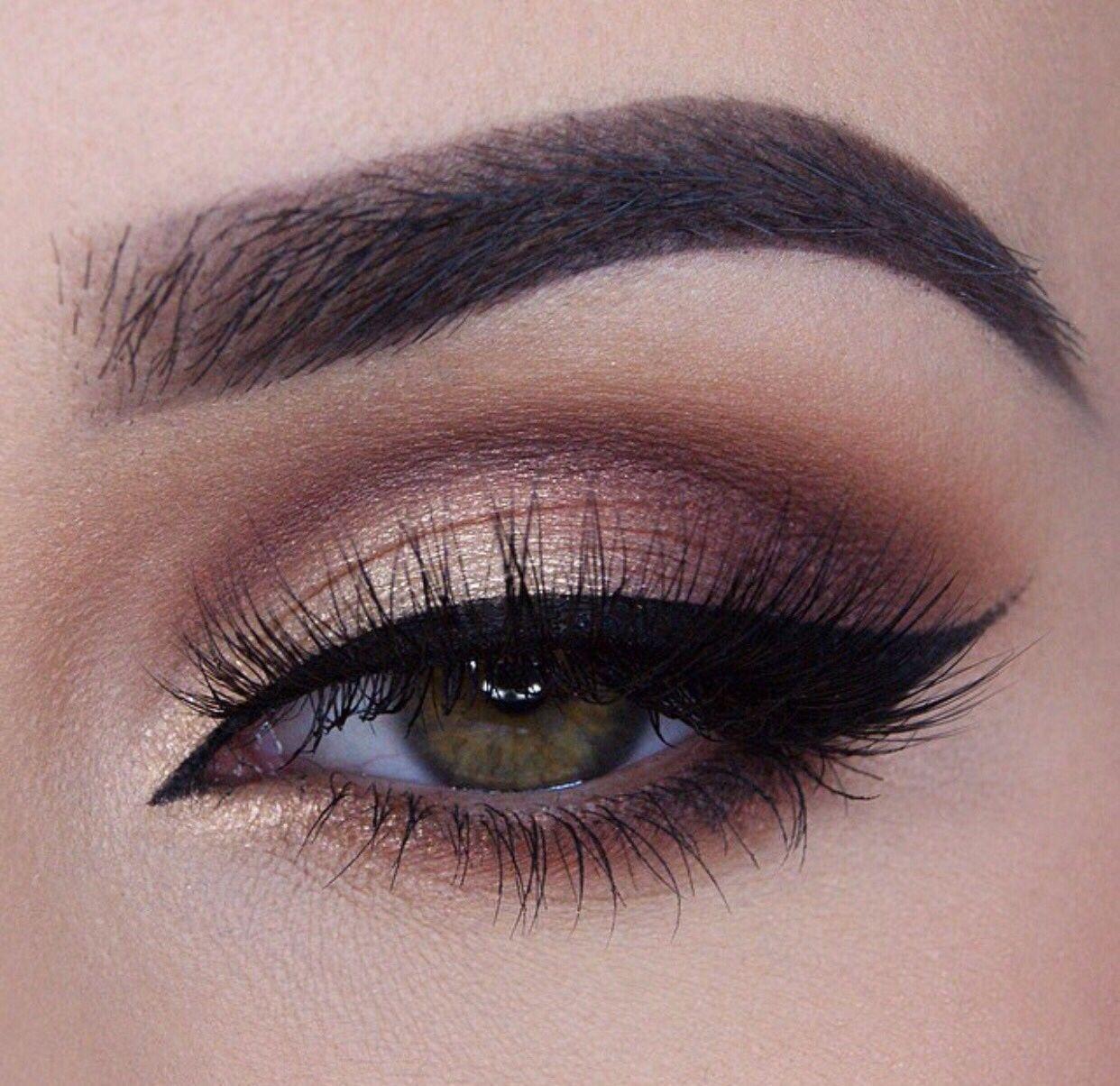 Smokey Eye Looks In 10 Gorgeous Shades   Eye makeup, Smokey eye makeup,  Gold makeup