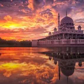 Masjid Putra, Putrajaya 1/2/34H  by Fadly Hj Halim - Landscapes Sunsets & Sunrises ( building, mosque, putrajaya, sunrise, waterscapes )