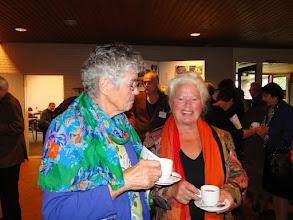 Photo: Nel van der Linden en mw. Van Zee