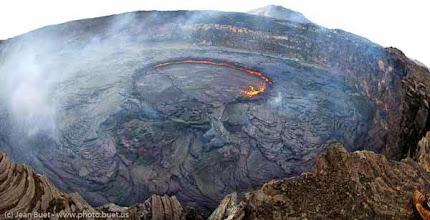Photo: <fr>Cratère du volcan Erta Ale après débordement du lac de lave.</fr><en>Erta Ale caldeira after the lava lake overflow.</en>