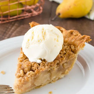 Pear Ginger Crumble Pie
