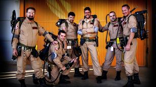El grupo 'Ghostbusters United España', en una imagen del pasado año. Paco Soler y Juan Miguel Díaz son el cuarto y el quinto de izquierda a derecha.