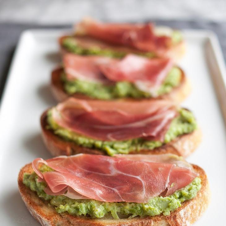 Asparagus & Prosciutto Toasts Recipe