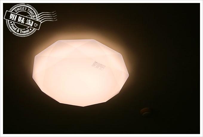 toshiba吸頂燈103