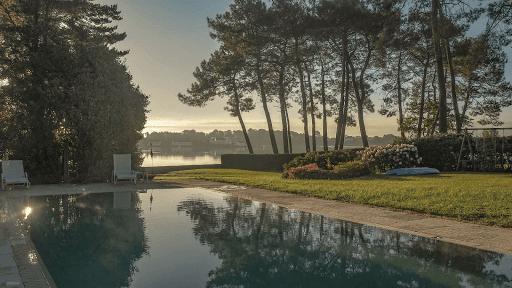 propriété du Verdon, Vue mer au lever du soleil depuis le carré piscine
