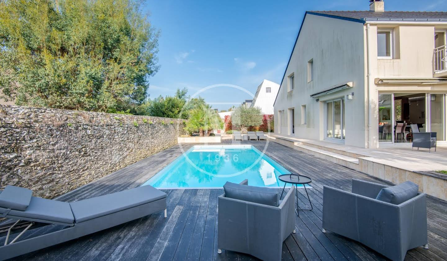 House with pool and terrace Nantes