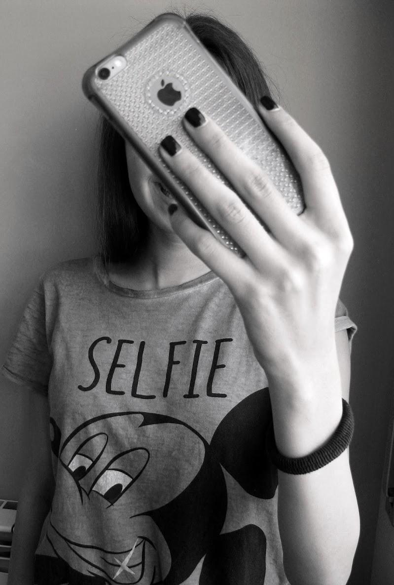 Più Selfie di Così! di Elisabetta Di Girolamo