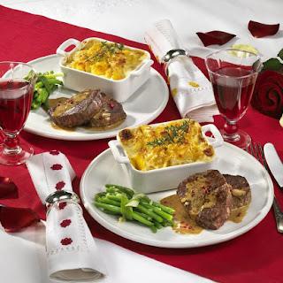 Steak with Potato au Gratin and Green Beans.