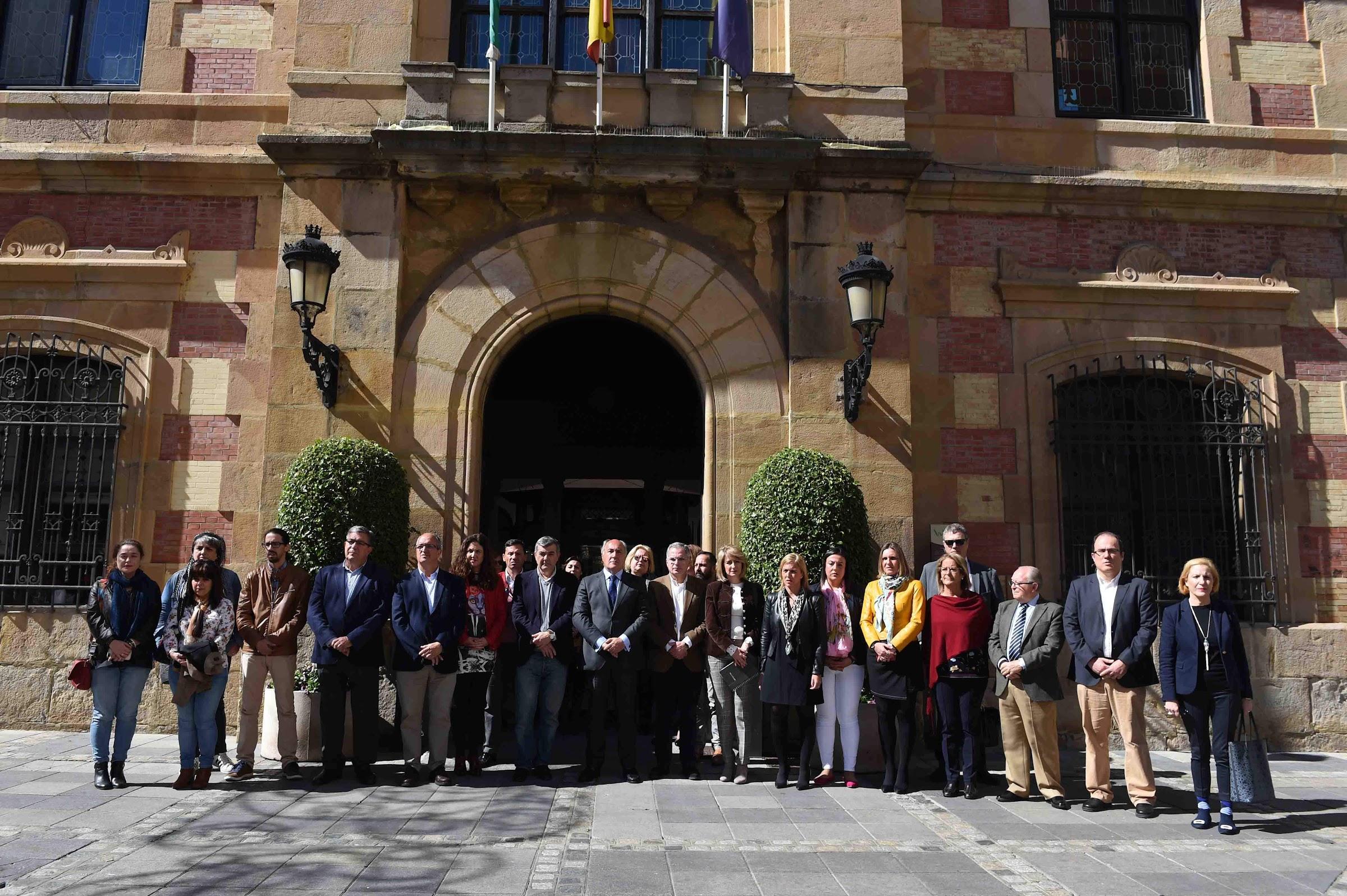 Algeciras recuerda en silencio a las víctimas del 11-M quince años después de los atentados