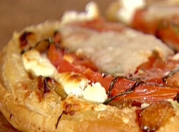 Tomato And Goat Cheese Tarts Recipe