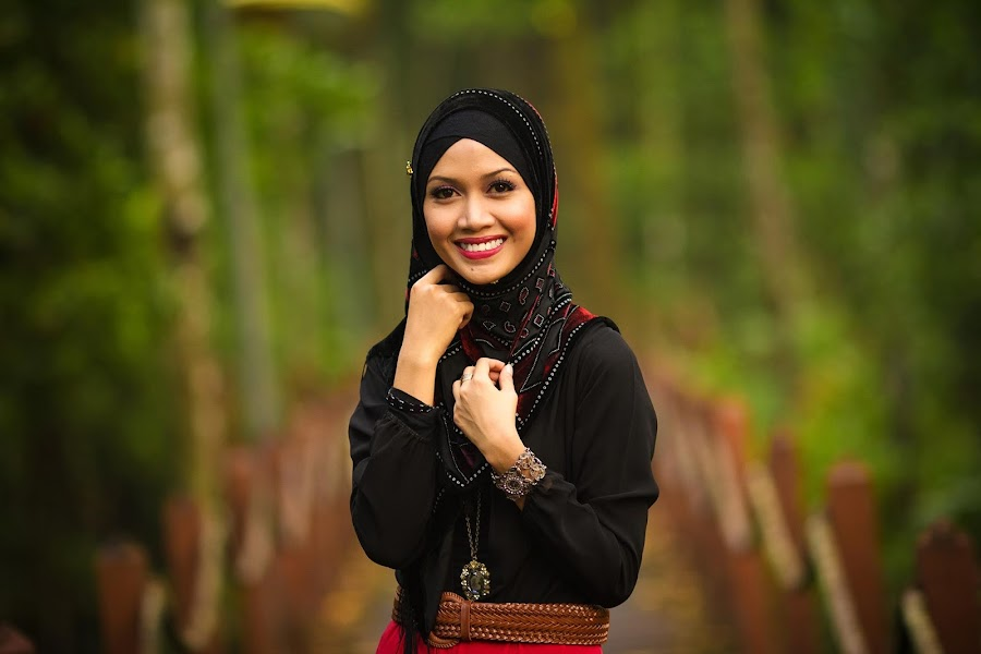 Z I L A  by Mohd Hafis - People Portraits of Women