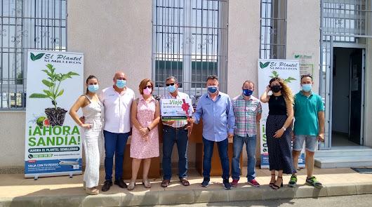 Rafael Nieto y Carmen Galera ganan el viaje de Semilleros El Plantel