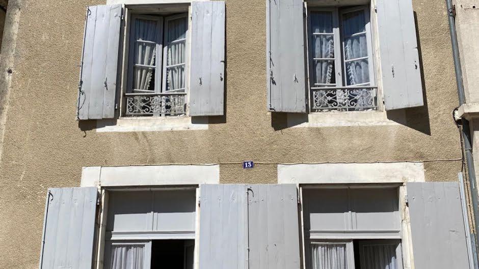 Vente maison 5 pièces 97 m² à Montbron (16220), 58 000 €