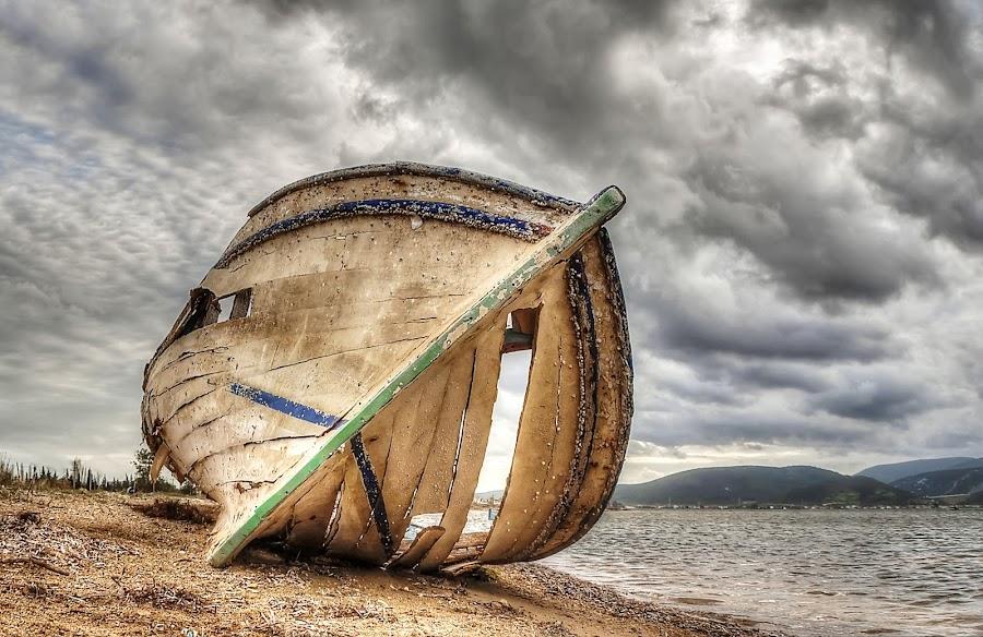 Boat by İsmail Bülbül - Transportation Boats ( water, device, transportation )
