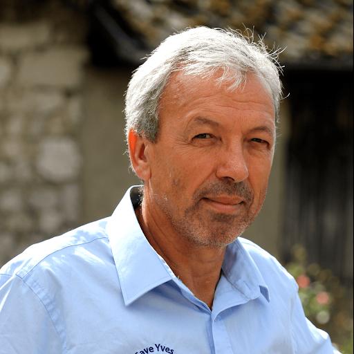 Yves Girard-Madoux - Propriétaire Récoltant - Vignoble de la Pierre - Vin de Savoie - Savoie Wine