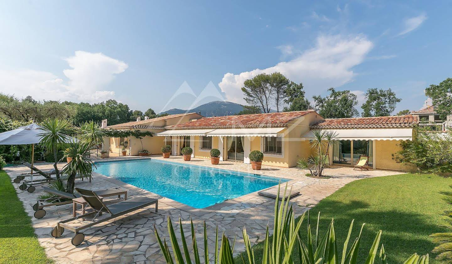 Villa with pool and garden Roquefort-les-Pins
