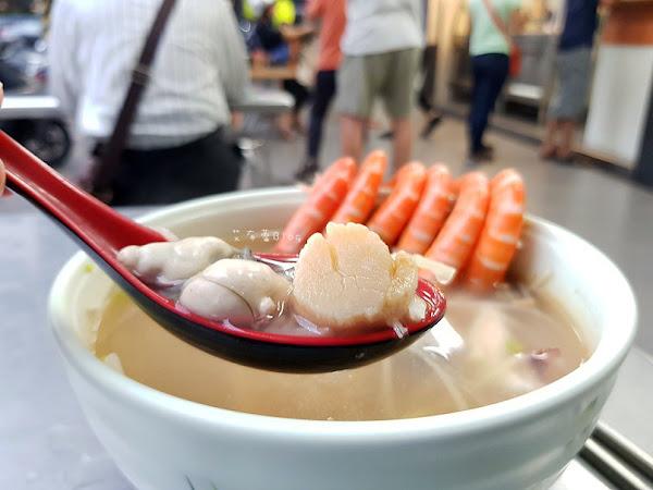 香味海產粥 干貝、大蝦、蟹角、蚵仔、花枝...讓人痛風的海產粥!