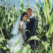Wedding photographer Elina Kabakova (artvisionlv). Photo of 09.08.2017