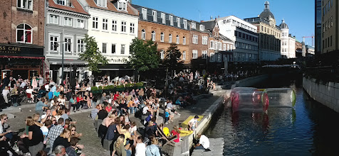 Photo: Enjoying the beautiful day on the first day of the Aarhus Festival.