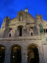 Photo: However, Sacre Coeur is especially well illuminated, and so an evening landmark in the area. The structure is of an overall Romano-Byzantine style, unusual at the time, and a reaction against the neo-Baroque excesses of the Opéra Garnier.
