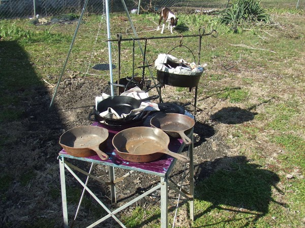 In a large dutch oven Fry bacon till chrisp.Drain all but 2 tablespoons of...