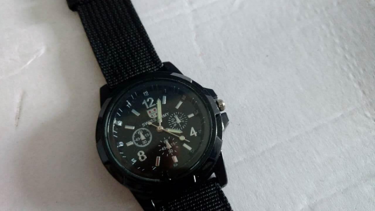 """Контрольная закупка в ПП: Монокуляр почти за 1000 гривен + """"элитные"""" часы в подарок"""