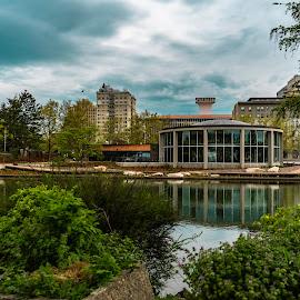 Riverfront by Matt  Glenn - City,  Street & Park  City Parks