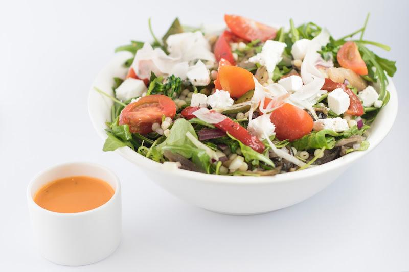 Vegetarische salade gekonfijte eend