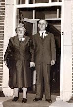 Photo: Rieks Hadderingh en zijn moeder Marchie Hadderingh-Kamps