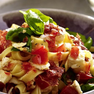 Tagliatelle with Tomato and Mozzarella Sauce