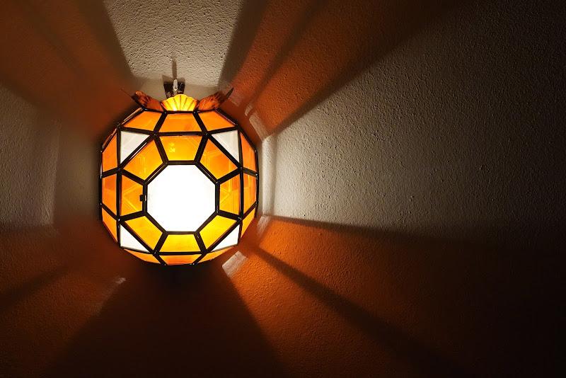 Raggi di luce artificiale di lukareds