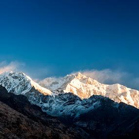 Mt. Khangchendzongha & Co. by Mrigankamouli Bhattacharjee - Landscapes Mountains & Hills ( mountain, kanchendzonga, morning, himalayas, kanchenjunga, sikkim )