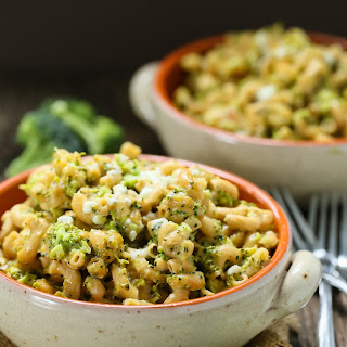 Slow Cooker Broccoli Mac And Cheese.