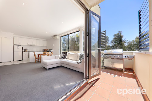Photo of property at 7/29 Diamond Boulevard, Greensborough 3088