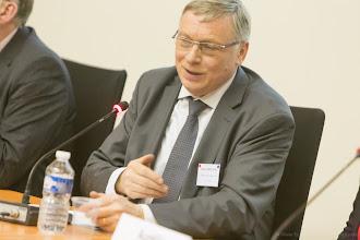 Photo: Gérard Roussel, président du village de la chimie, président du CFA AFi 24, intervenant lors de la table ronde- Photo Olivier Ezratty
