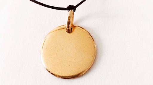 Bracelet médaille bombée plaqué or