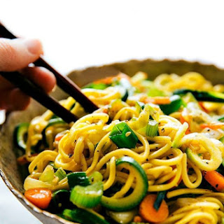 Easy Chow Mein with Spiralized Zucchini.