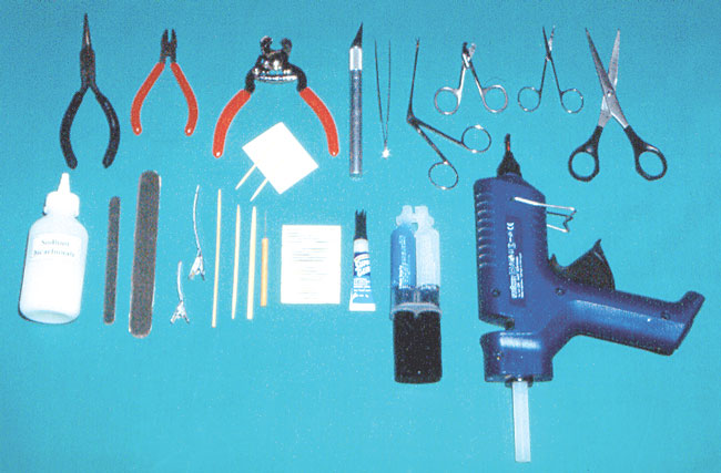 Materials and equipment required for feather repair and total or partial feather replacement