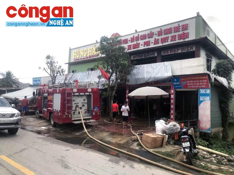 Vụ cháy xảy ra tại siêu thị nội thất