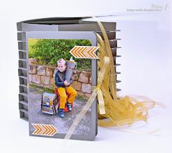 Photo: http://bettys-crafts.blogspot.de/2013/09/danksagung-zur-einschulung-kartenbox.html